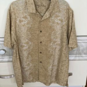 TOMMY BAHAMA BOTTON DOWN SHIRT SIZE L